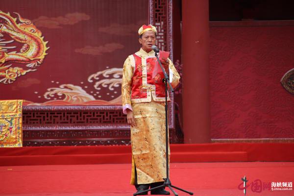 台湾顺天圣母协会理事长冯隆原代表台湾同胞致辞 副本.jpg