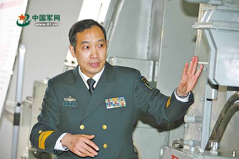 """与世界公认技术难题较劲,他为我军舰艇装上""""中国心"""""""