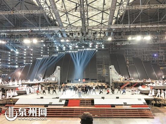 海艺节开幕式演出首次进场排练 12月9日全体节目联排
