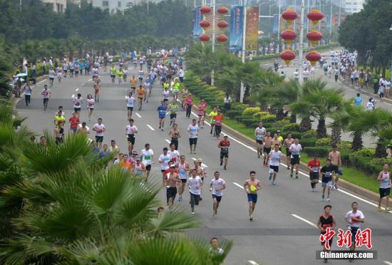 福州马拉松鸣枪 中国选手夺女子组冠军