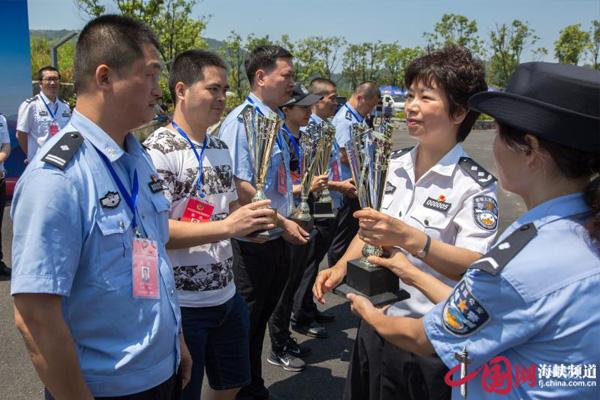 2018年福建省公安系统武装越野跑比赛在榕举行