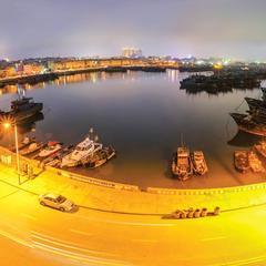 夜幕下的港湾