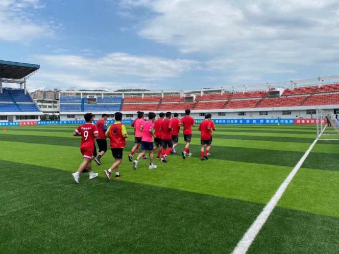 宁德本地首支职业足球队(福建•宁德FC)开始训练战备新赛