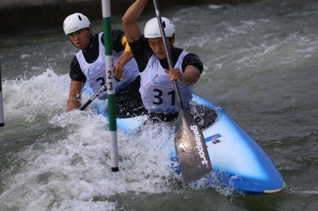 全运会福建军团竞体首金诞生 男子双人划艇激流回旋折桂